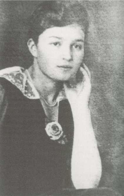 Elizabeth Ullmann, Viktor's third wife