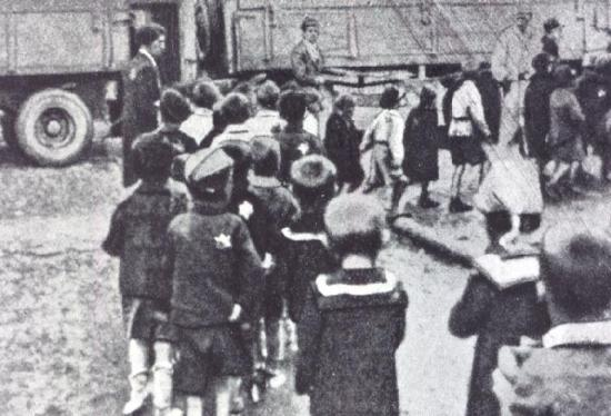 Children from Bialystok Ghetto (in Poland) arriving at Terezin